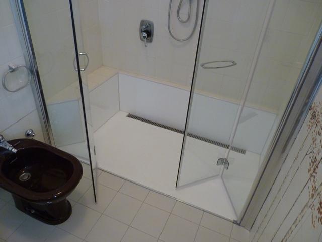 Da vasca a doccia filo pavimento novabad - Bagni con doccia a pavimento ...