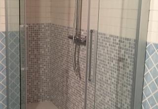 Sostituzione vasca in nicchia con doccia erba
